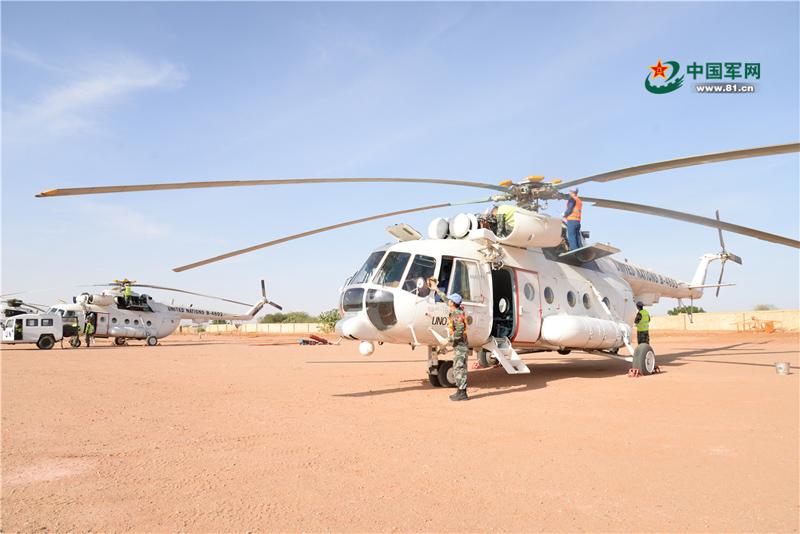 中国维和直升机分队成功首飞  连获海外嘉奖