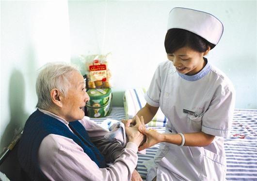 养老护理缺口不补,晚年何处安放?