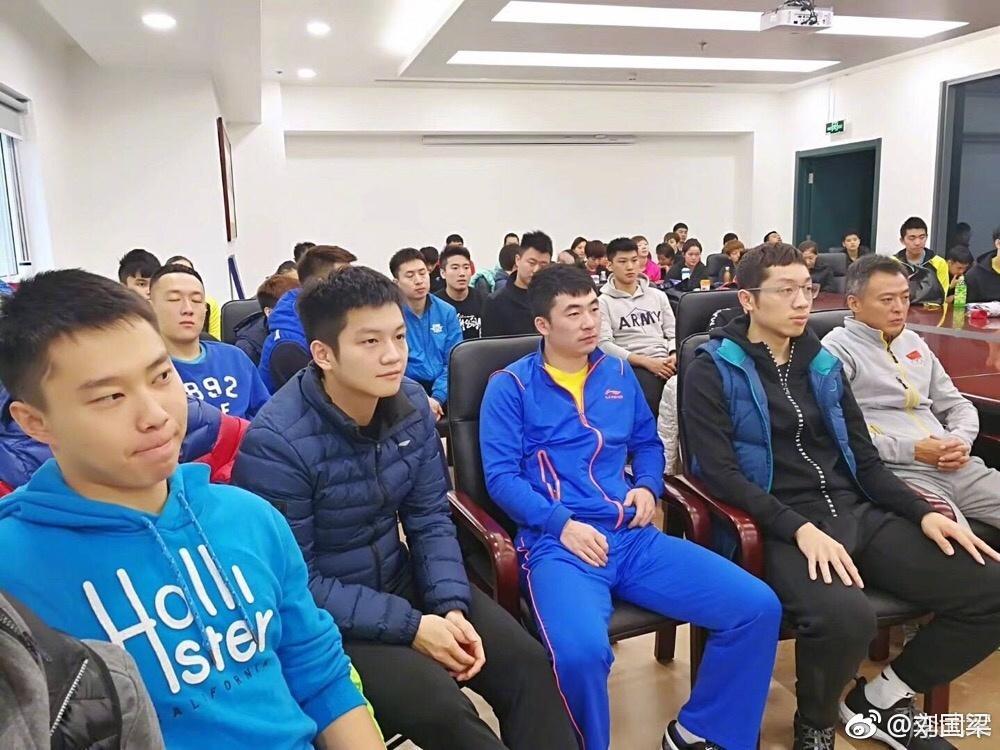 刘国梁接班人率国乒集体亮相,退休后被返聘继续执教