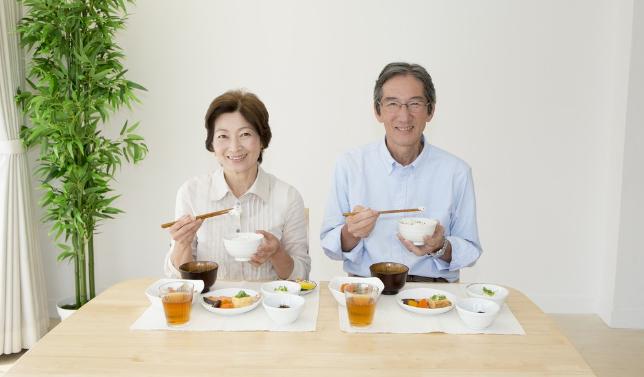 长寿饮食原则:多三黑少三白