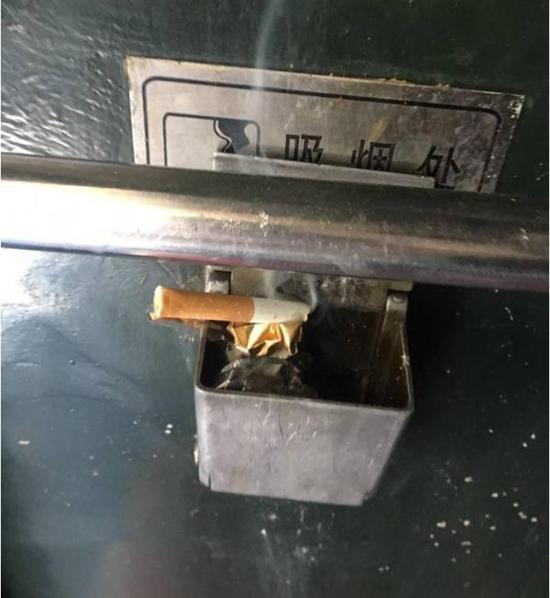 准大学生火车普列遭二手烟 起诉铁路局获立案