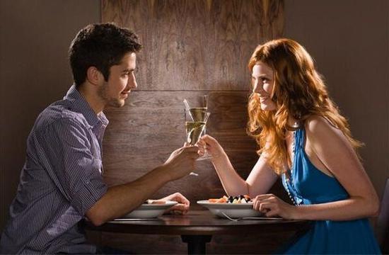恋爱中的女生必知 13个约会细节教你透视男人本质