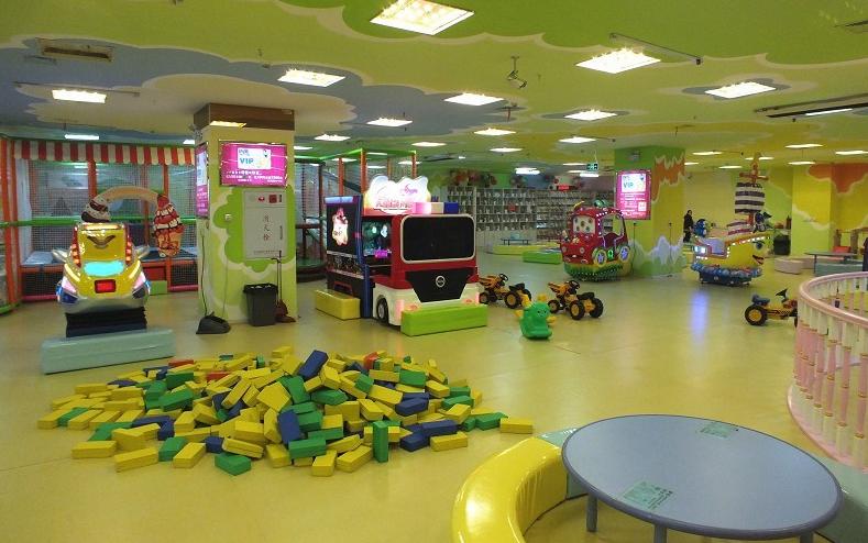 室内儿童游乐场卫生令人忧