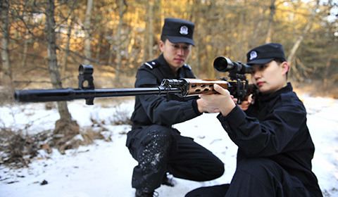 探访春运列车上的女乘警