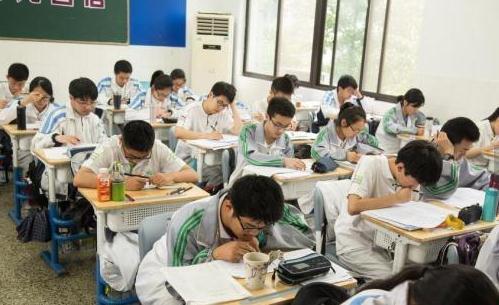 教育部:全国高中新课程方案和课程标准发布