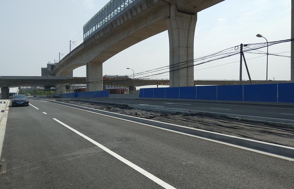 宁镇路一期改建工程北半幅道路基本建成