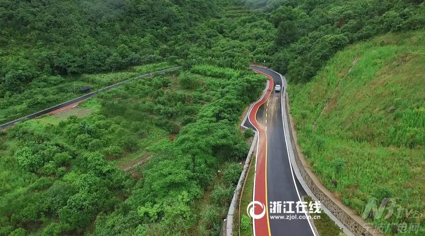 旅游旺季到来,公路完工通车,对定海区新建社区旅游业的发展以及区域