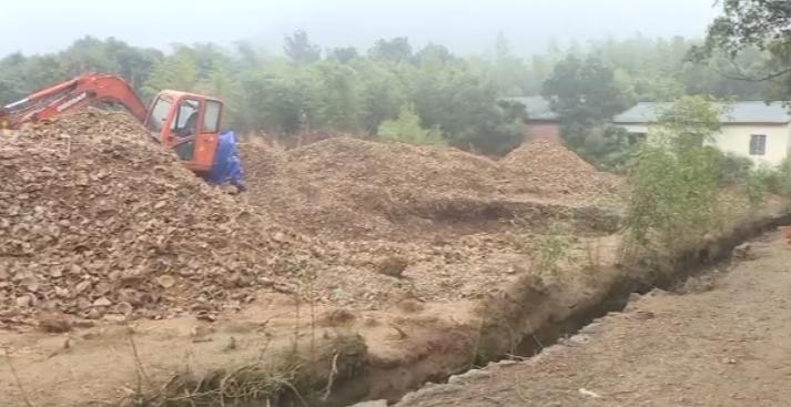 开着挖掘机盗挖隋唐五代古窑址 真猖獗!