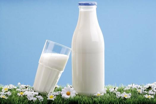 """这样喝牛奶等于""""白喝"""" 这些错误你犯了不止一次"""