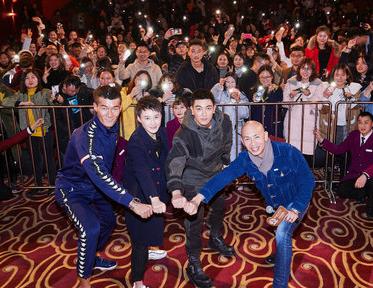 《红海行动》开启全国路演 陈凯歌赞电影:工业角度不输好莱坞