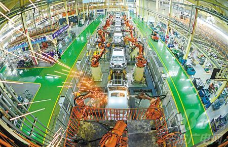 图为吉利汽车杭州湾基地生产线.-市政府交出上半年固定资产投资和高清图片