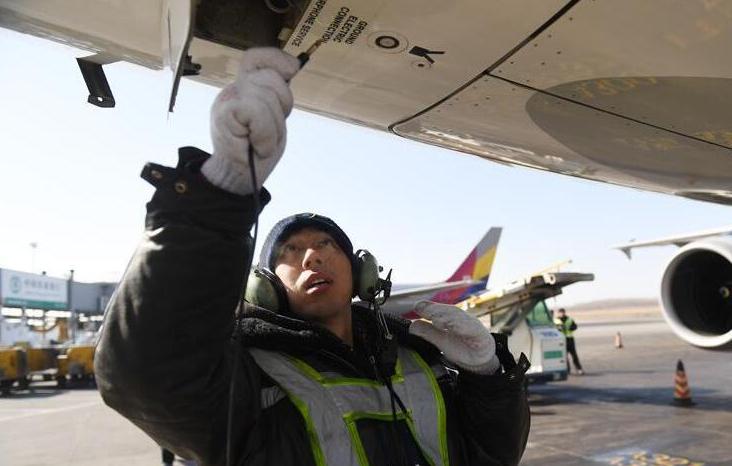 """为了大家平安,""""飞机医生""""-20℃坚守"""